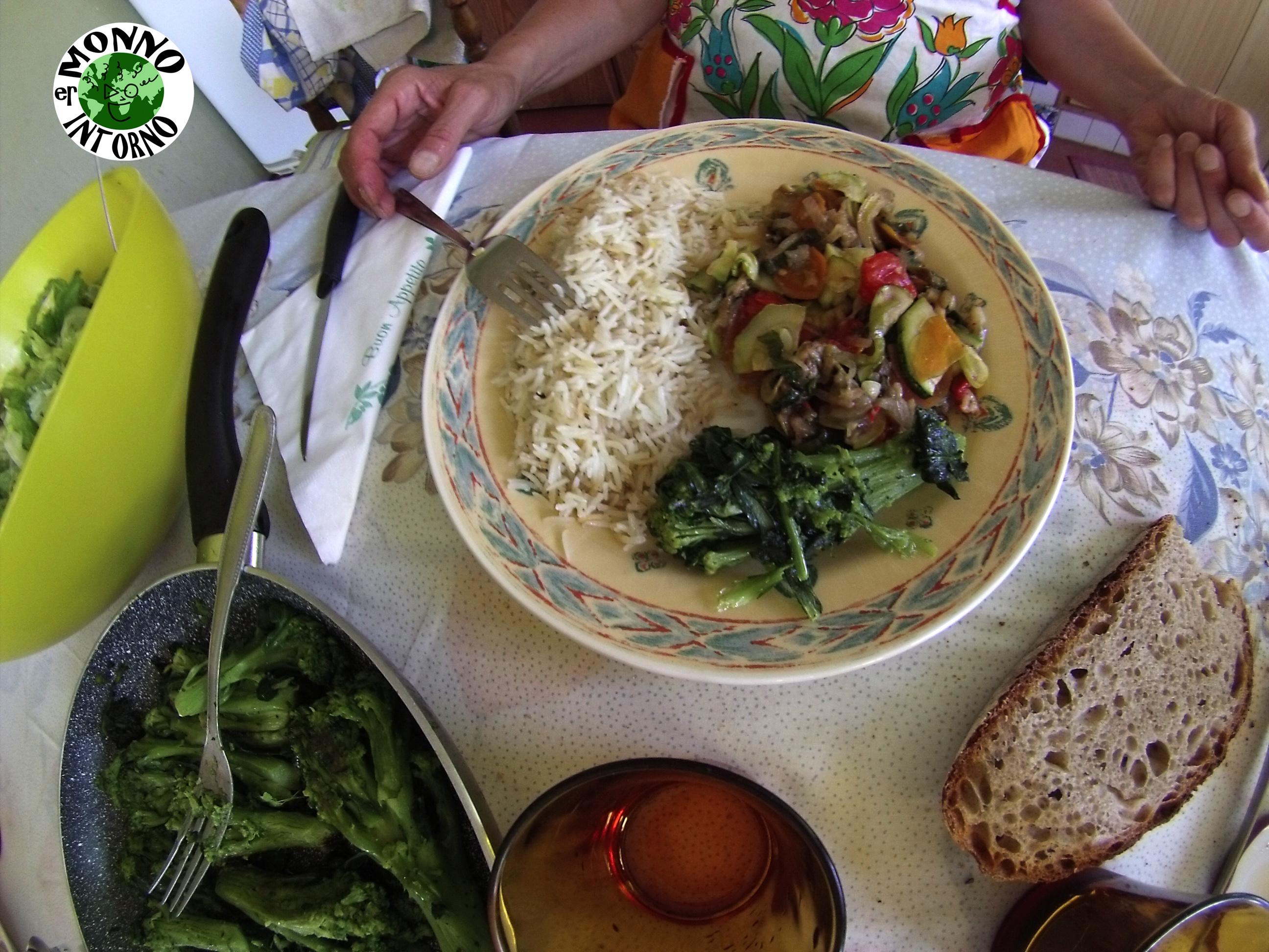 Er Monno intorno - il pranzo di Angelo Campanaro con il risotto di verdure bio del suo orto naturale