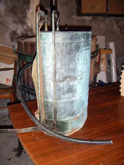 vecchio contenitore-verderame