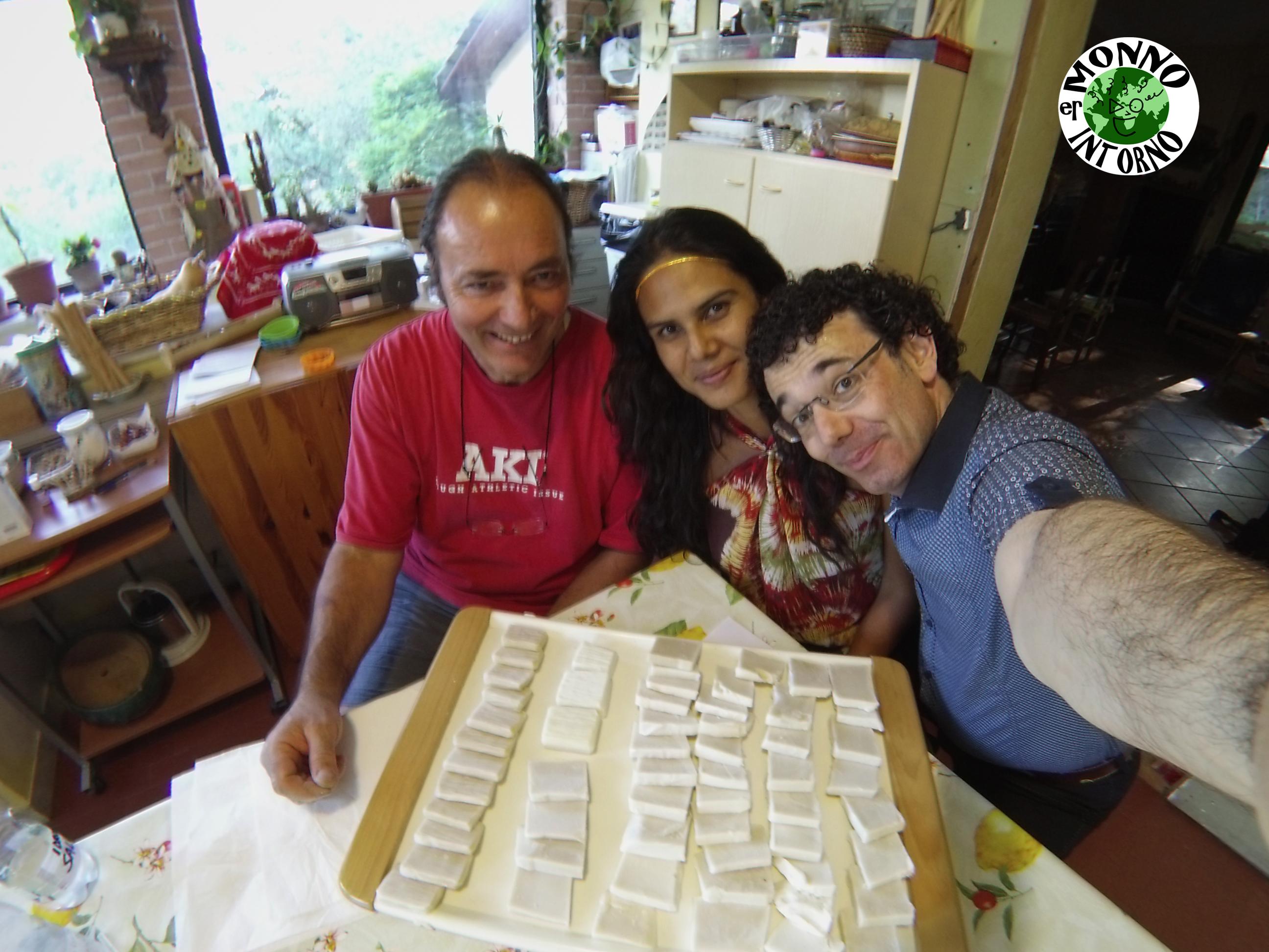 """Angelo Campanaro, Austria """"Autily"""" Silva e Igor Francescato con il sapone di Angelo"""